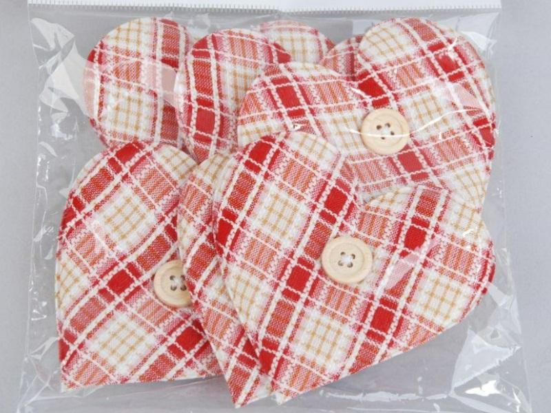 6 Herzen aus Stoff mit Knopf ROT Kariert 7cm