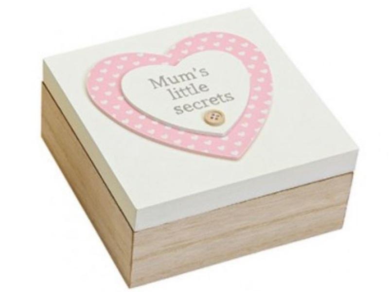Schachtel aus Holz mit Herz-Motiv - Deckel weiß - B16cm H7cm T16cm - Mum´s littl