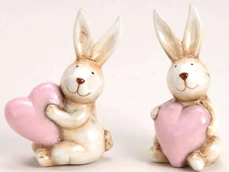 2er-Set Hasen mit Herzen Figuren aus Keramik (Braun-Rosa) B6cm x H10cm x T6cm
